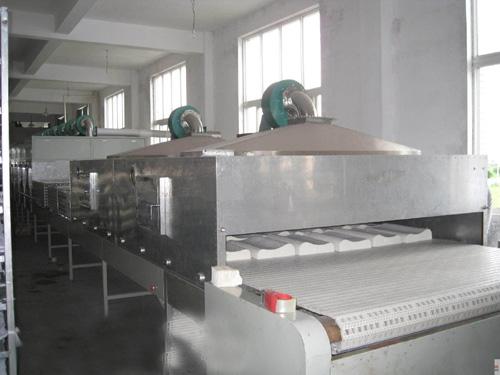 微波烘干设备用于乳胶烘干(在泰国投入使用)